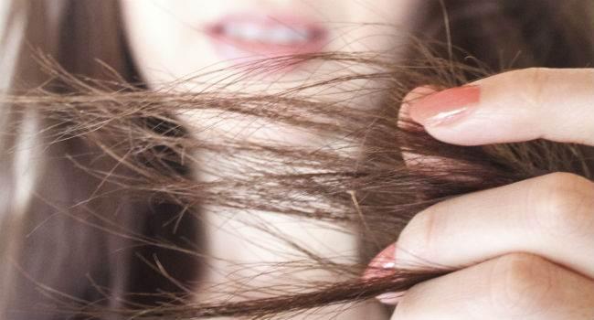 evite-pontas-espigadas-no-cabelo
