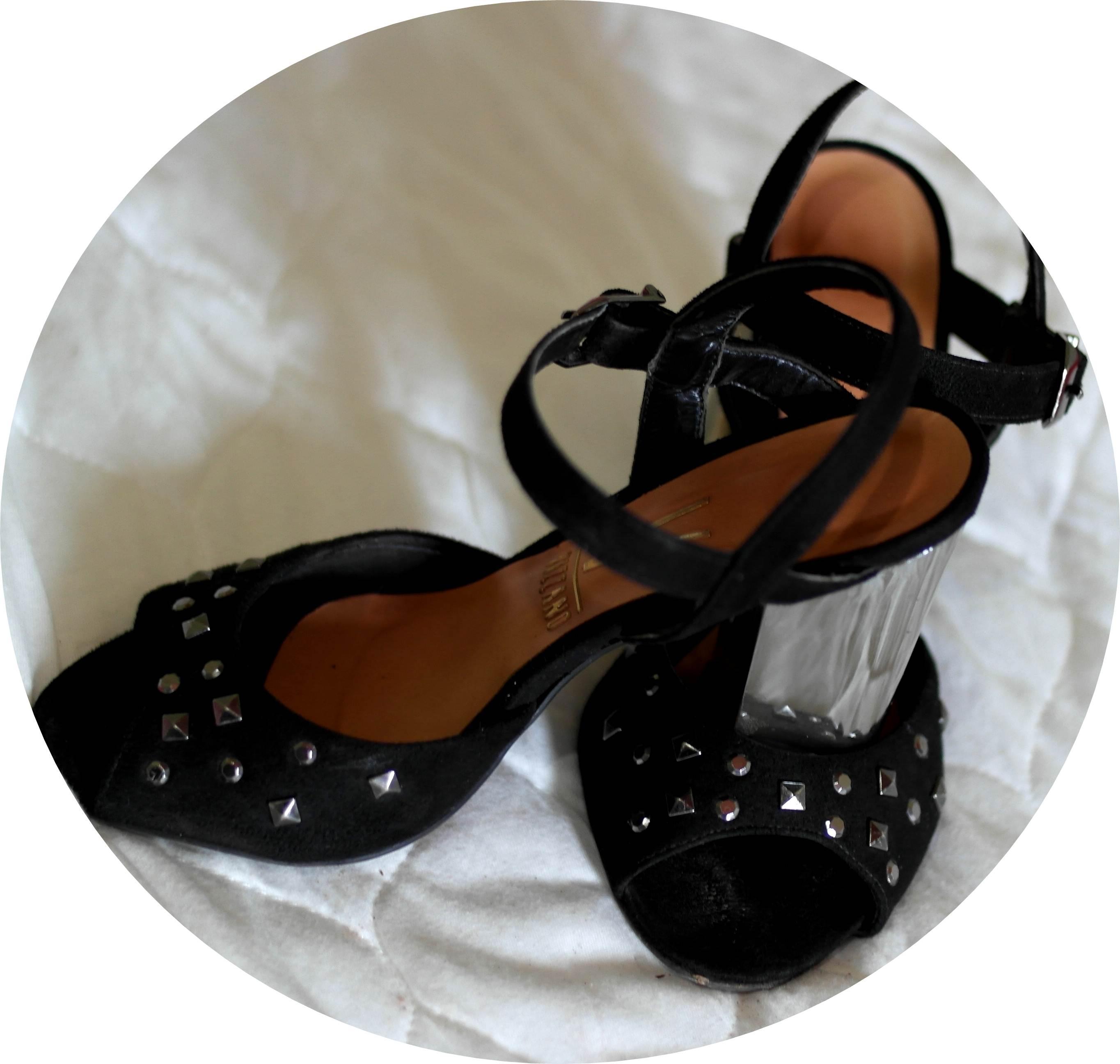 sandália de salto laminado