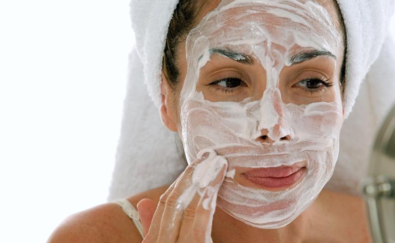 máscara facial com leite