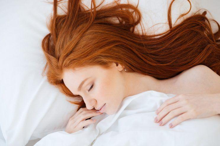 rotina de cuidados com o cabelo antes de dormir