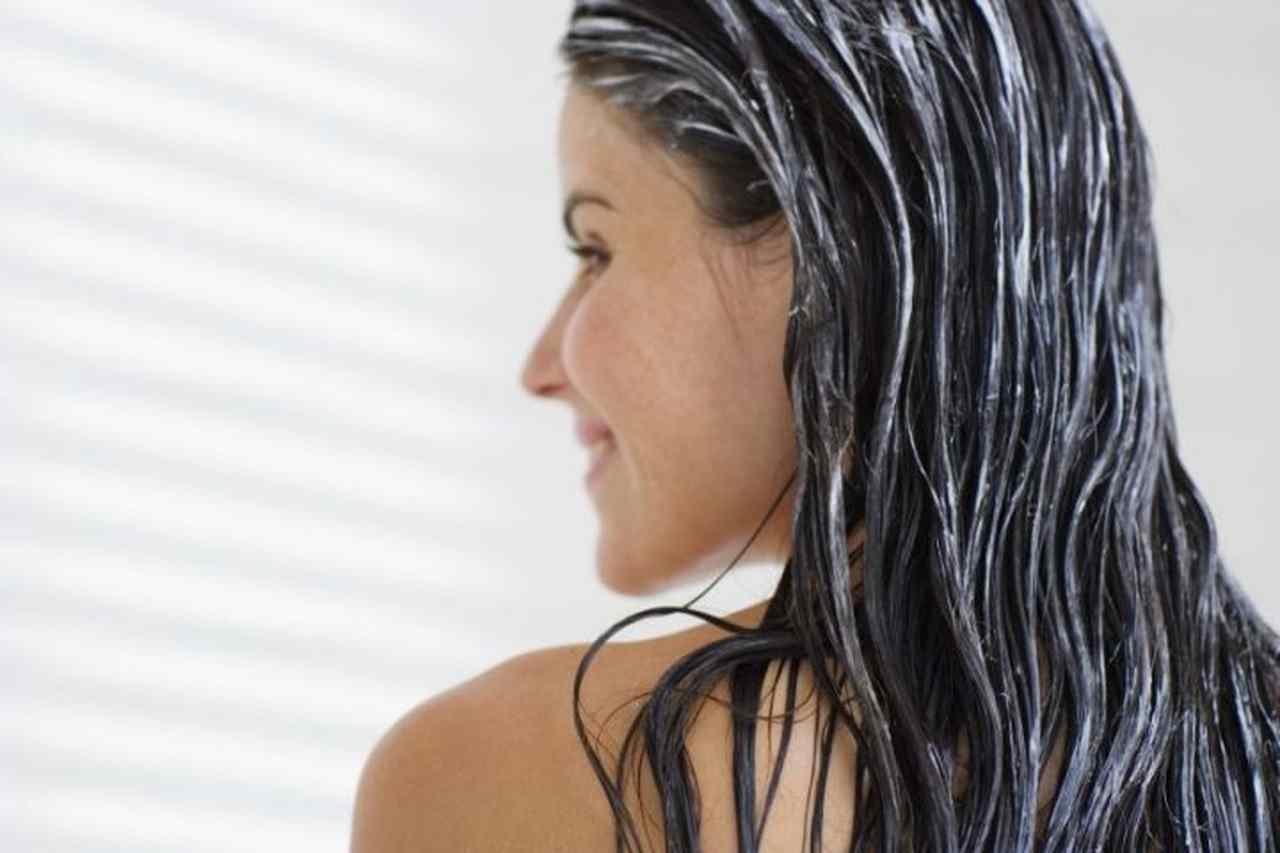 leite pó no cabelo